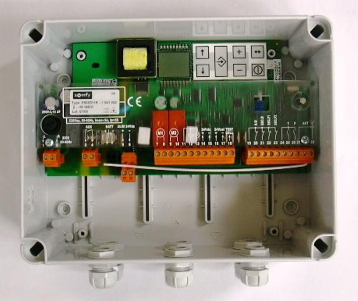 electronique de commande centrale de commande electronique pour motorisation de portail logique. Black Bedroom Furniture Sets. Home Design Ideas